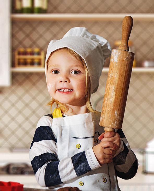 Laisser son enfant s'amuser en cuisine
